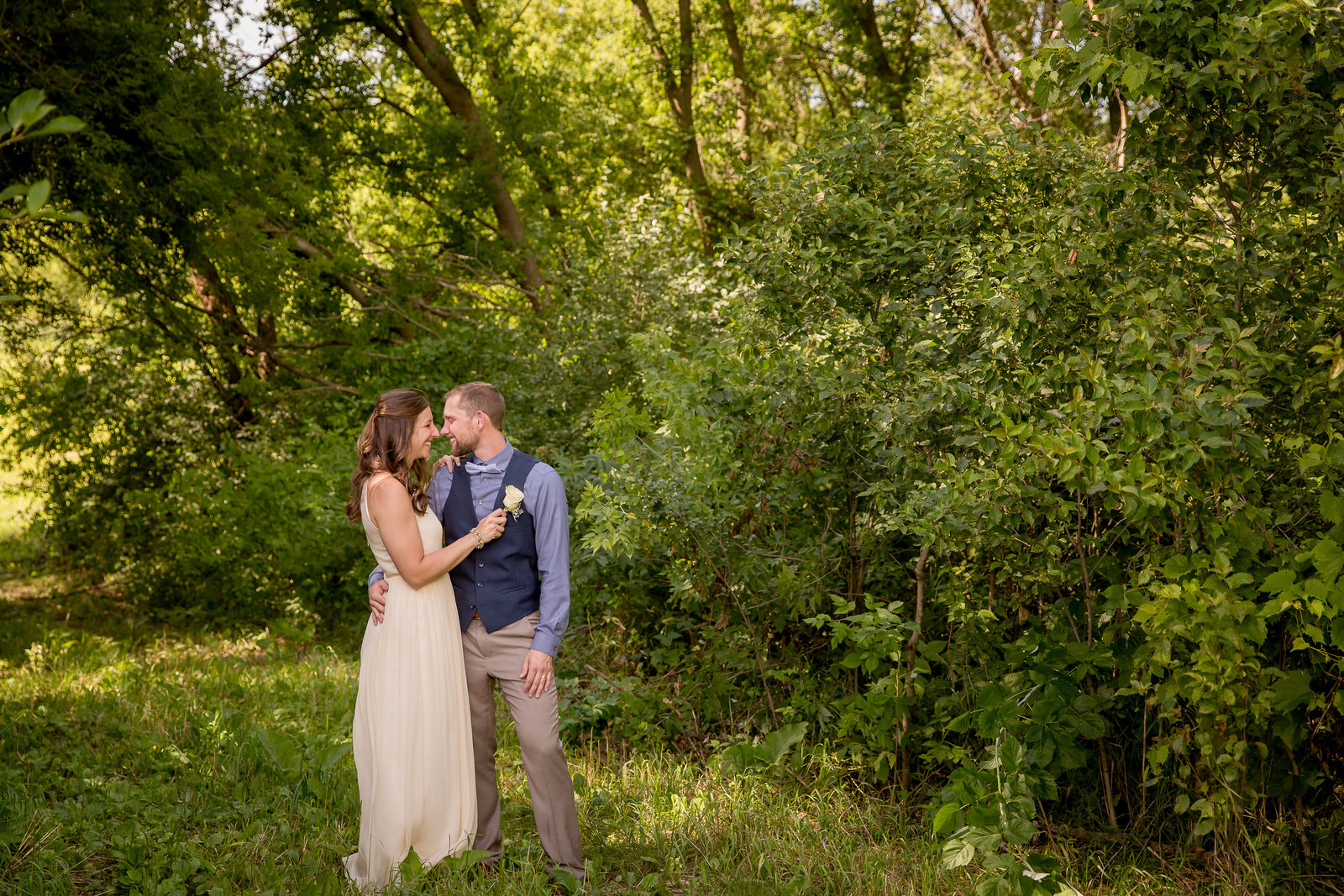 backyard-wedding-photographer