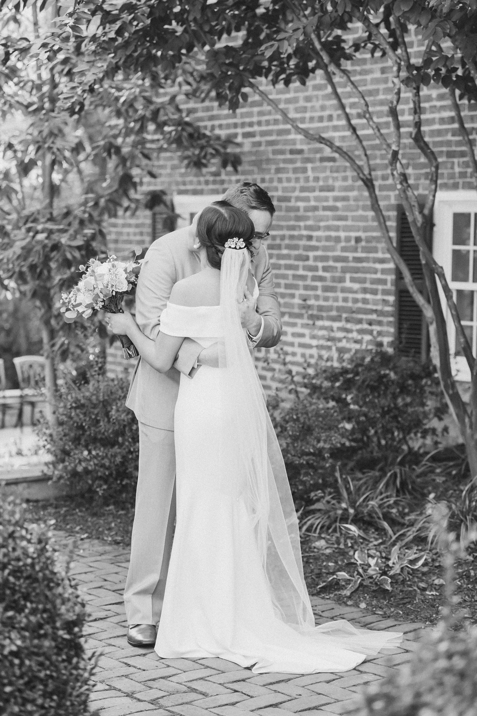 M Harris Studios_Braehead Manor_VA Wedding Photographer_bride and groom portrait
