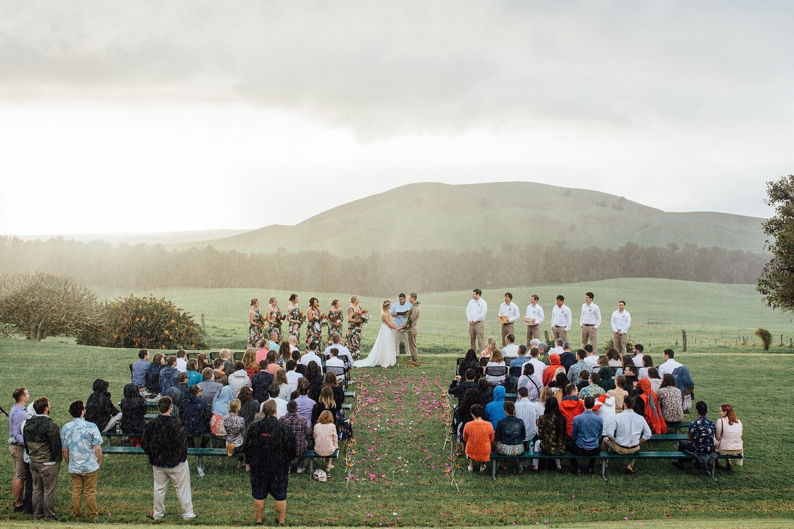 rainy wedding ceremony in hawaii