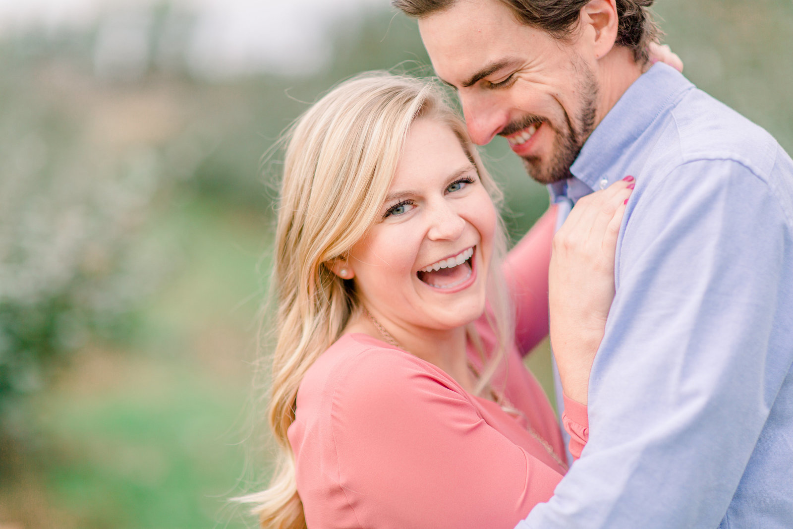 mondovi engagment photos full of laughter