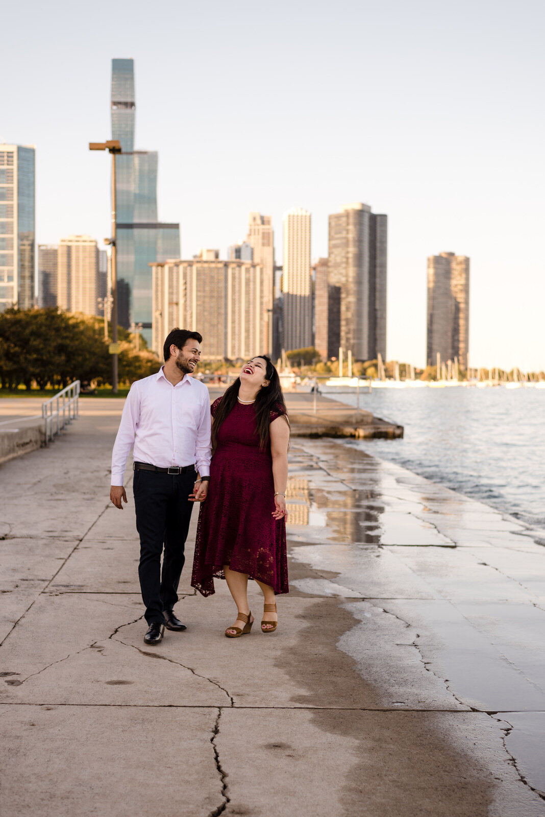 buckingham-fountain-lakefront-engagement-session-white-quill-creative