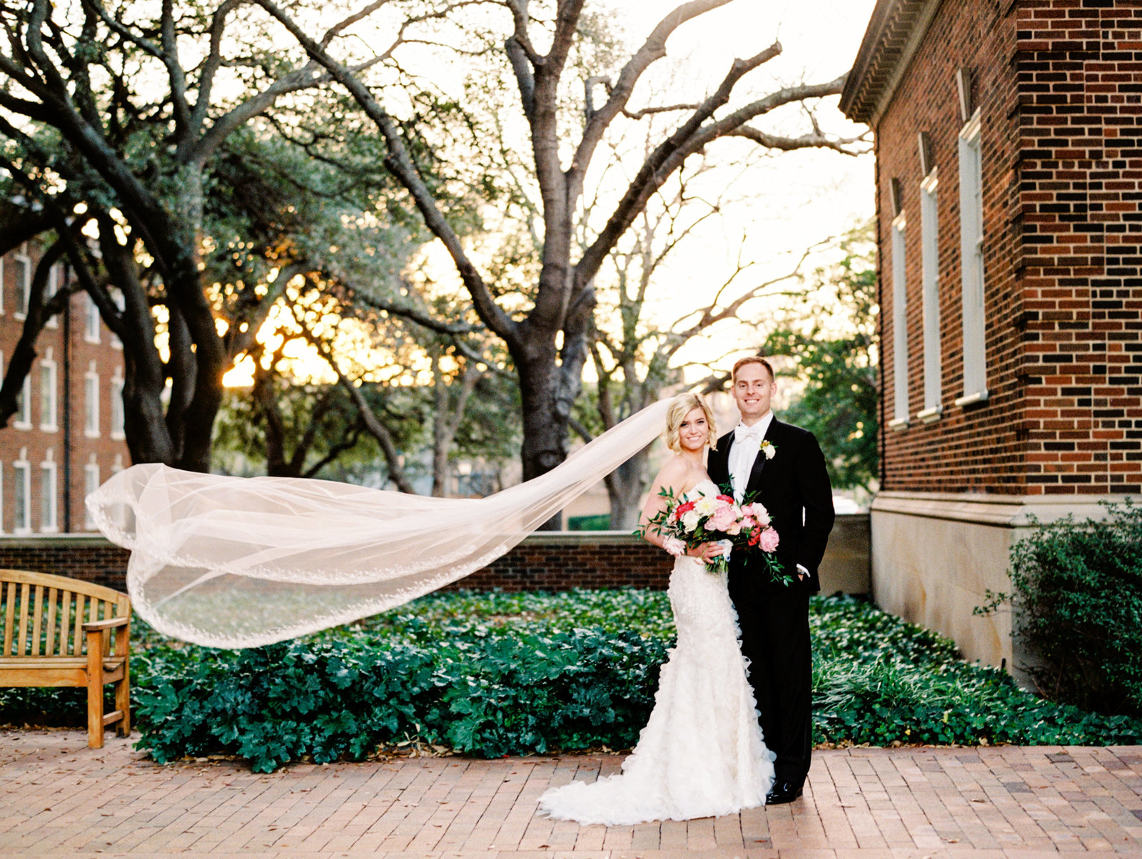 veil toss at a dallas texas wedding