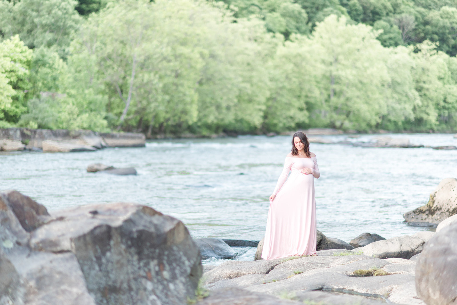 natural outdoor photographer maternity