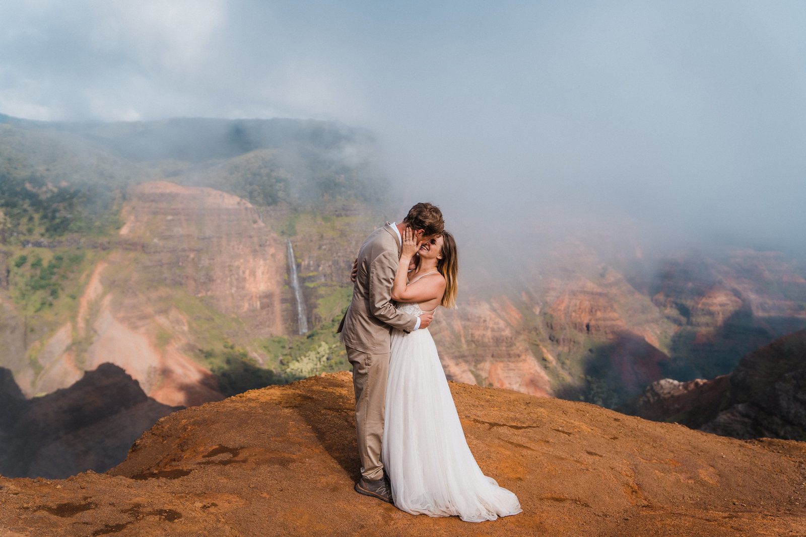 kauai-elopement-waimea-canyon-hawaii-elopement-photographer-sydney-and-ryan-1