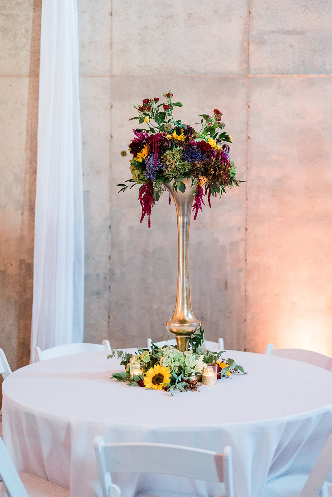 62-tall-wedding-floral-ideas-fall
