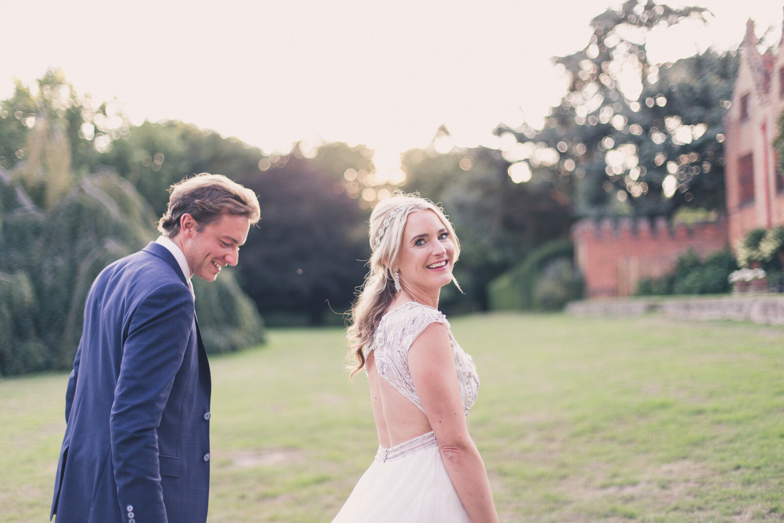 relaxed-wedding-portraits-buckinghamshire