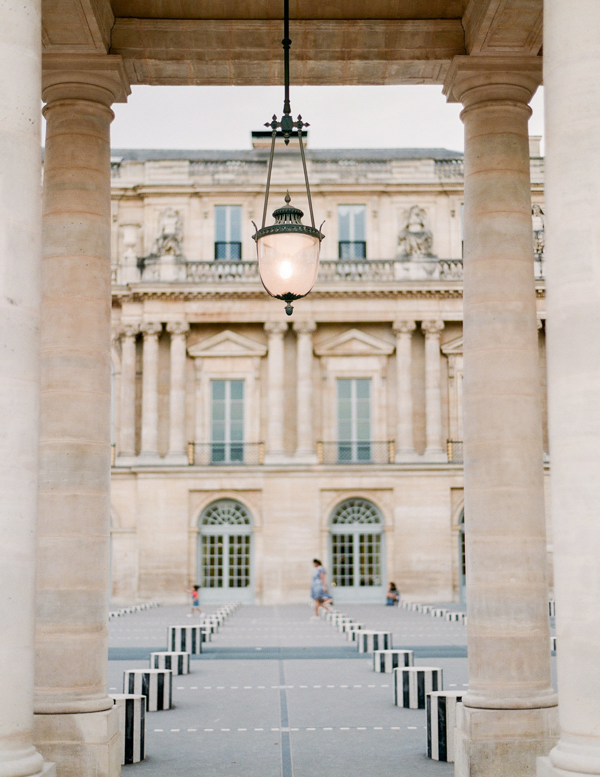 Paris-Wedding-Photographer-Film-Photographer-France-Molly-Carr-Photography-20
