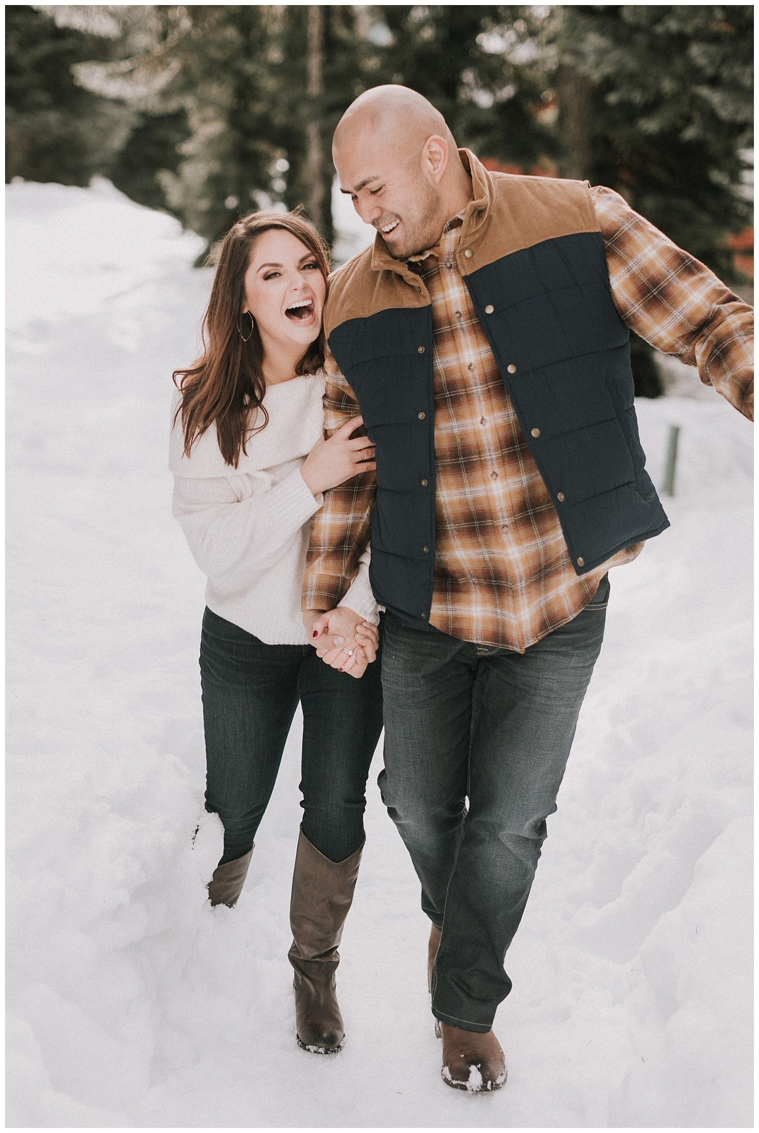 snowy-winter-engagement-photos-luma-weddings_0007