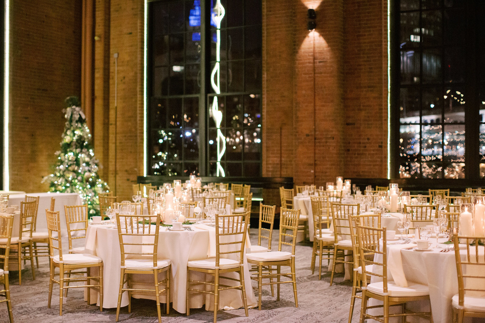 Winter wedding at Windows on the river during the holidays