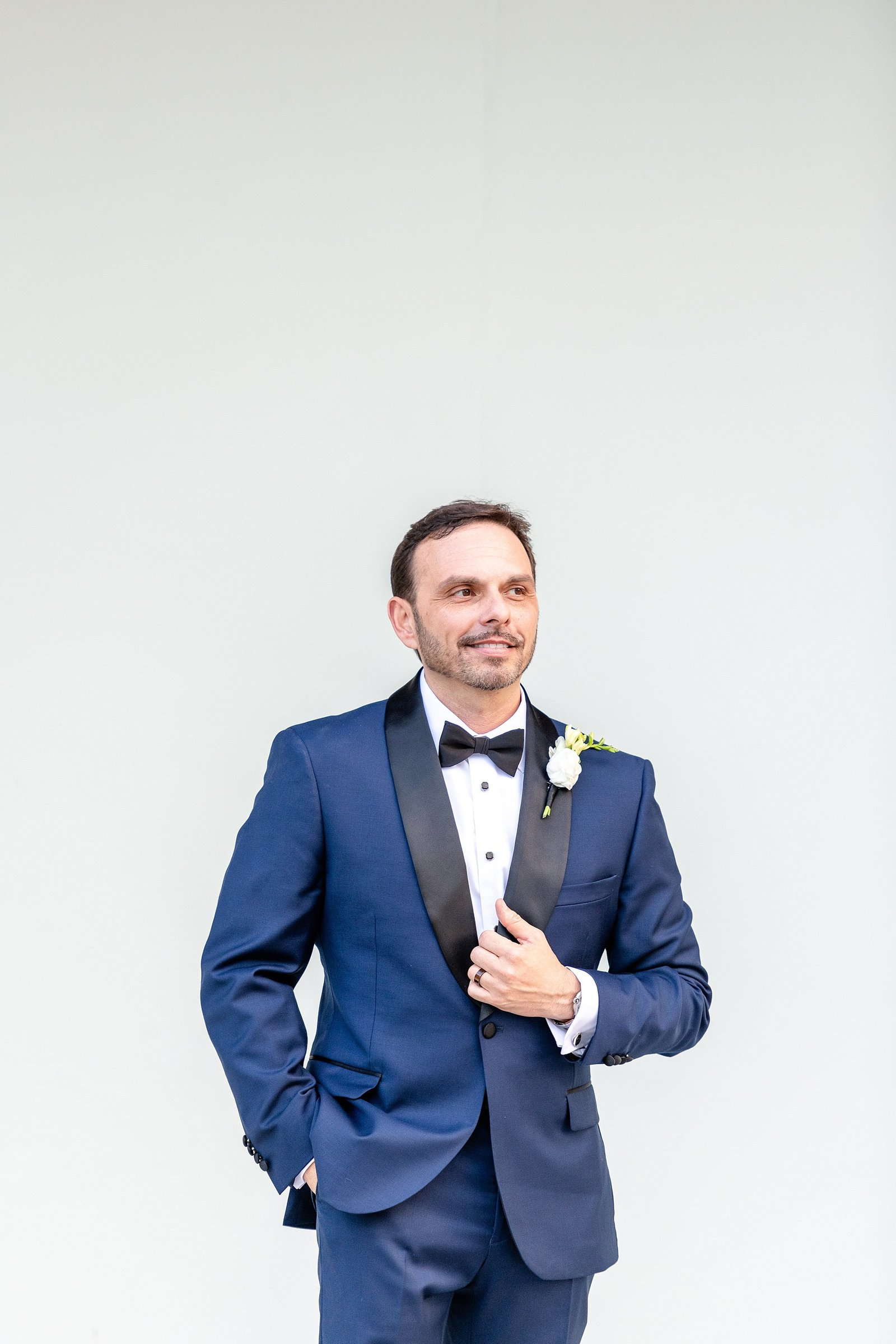 Groom in tux from Mens Wearhouse | Orlando Wedding Photographer