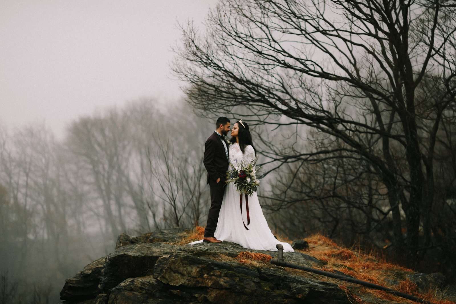 winter-upstate-new-york-elopement-photographer