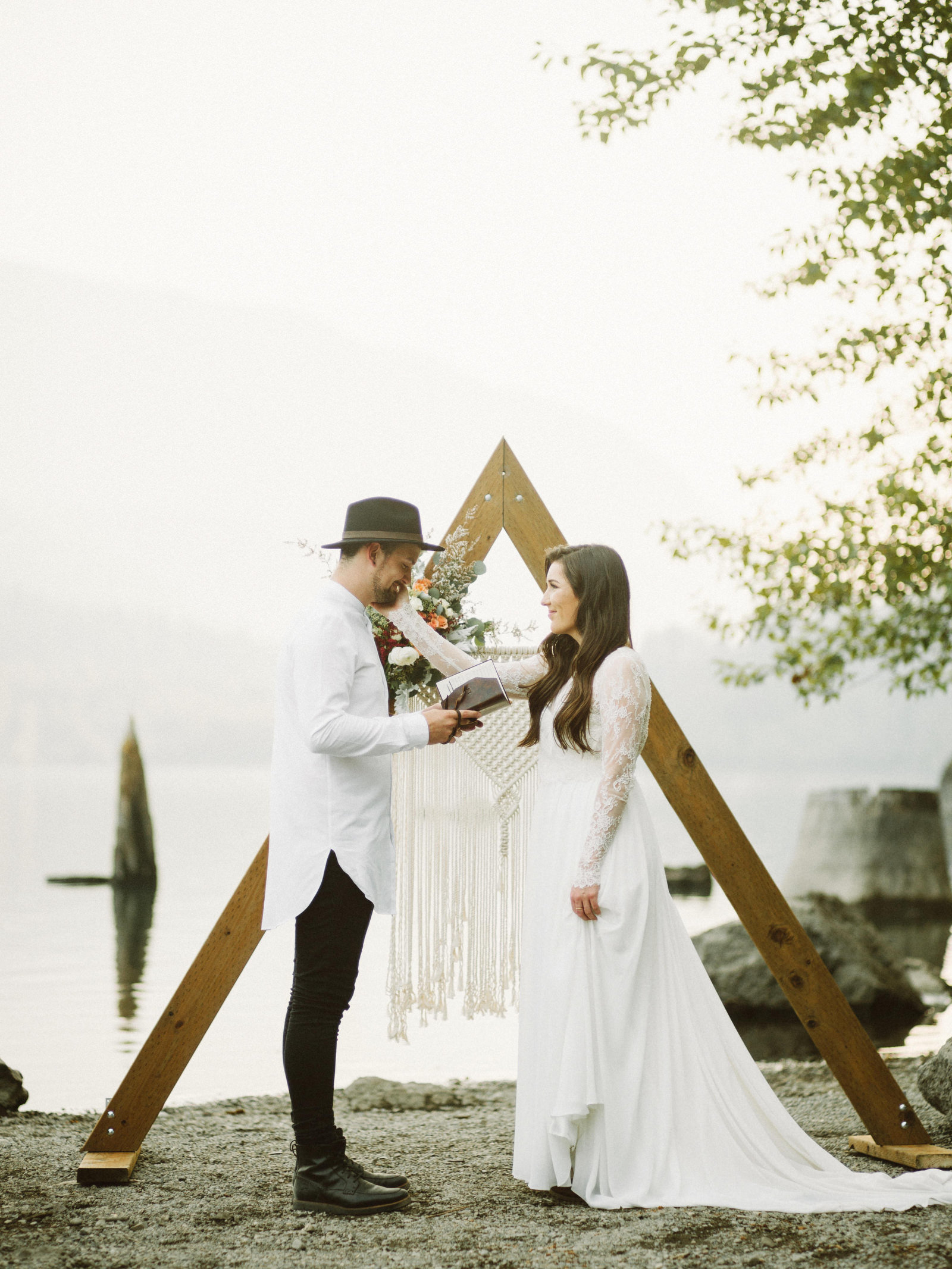 athena-and-camron-seattle-elopement-wedding-benj-haisch-rattlesnake-lake-christian-couple-goals49