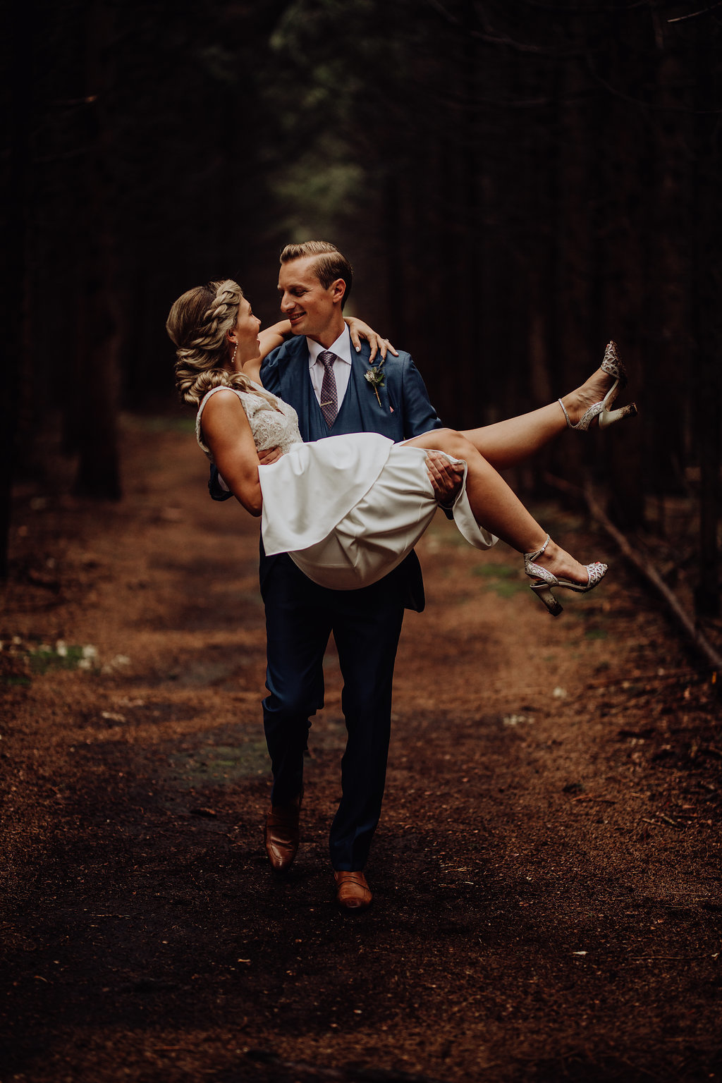https---www.alyssadphotography.com-engagementgrandrapidswedding-588