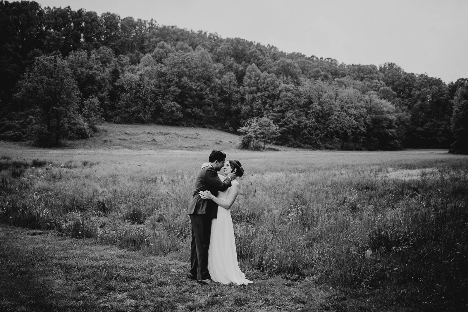 wedding at historic shady lane by Philadelphia wedding photographer Bobbi Phelps