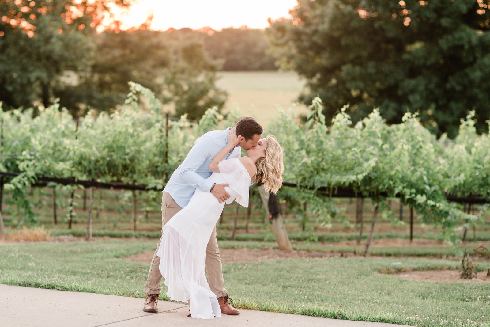 Arrington Vineyards sunset engagement session | Amy Allmand photography