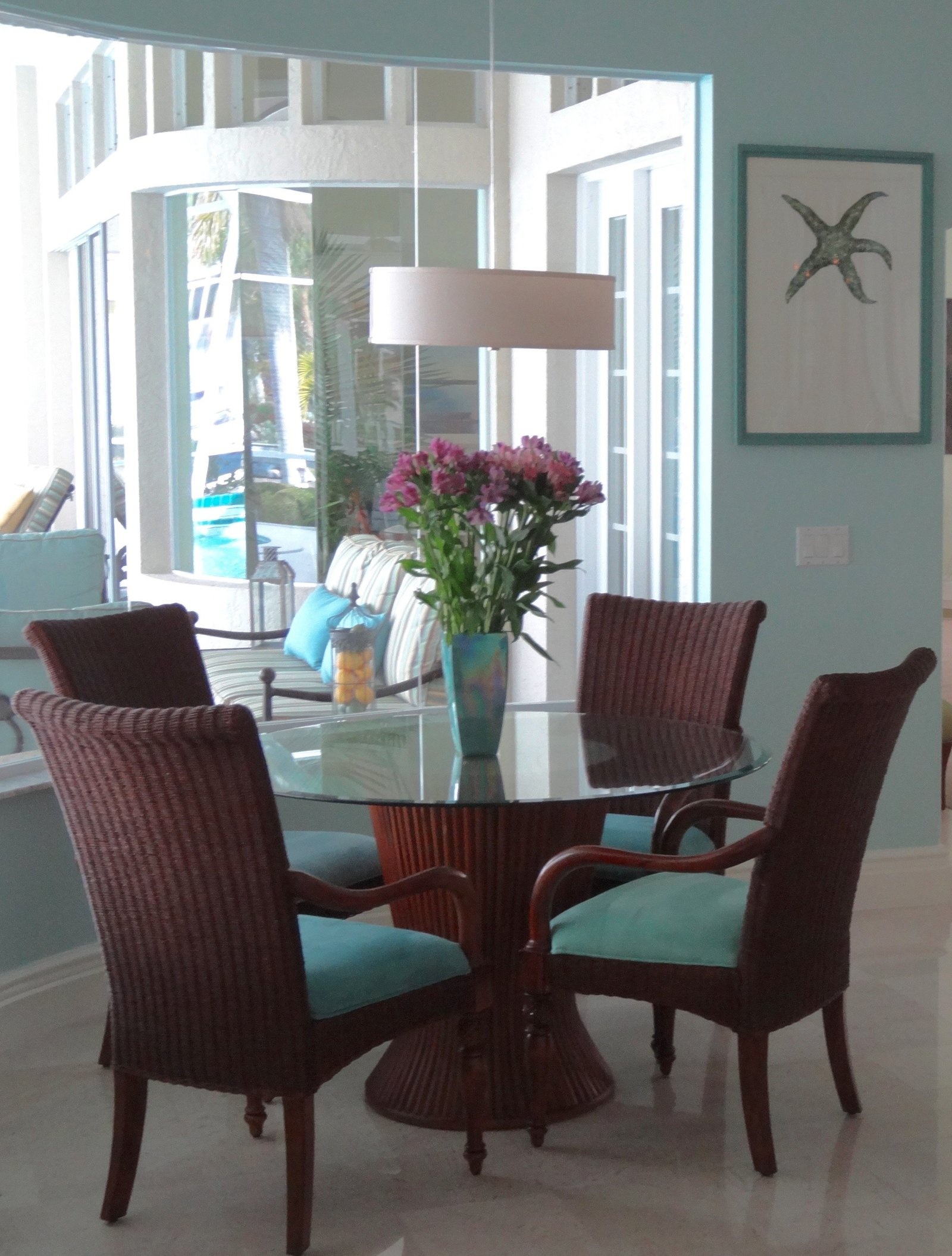 Coastal Florida Breakfast Nook Design