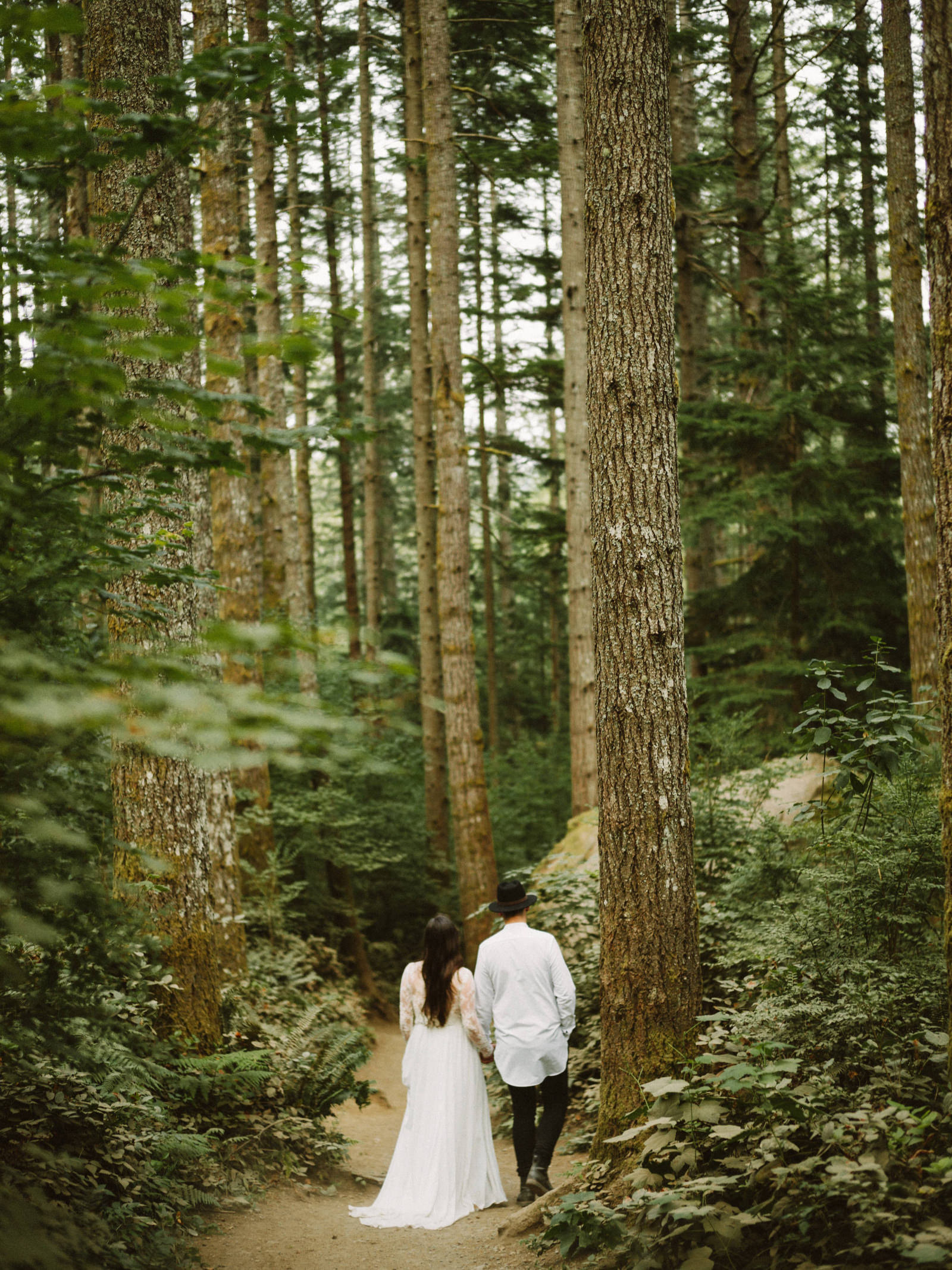 athena-and-camron-seattle-elopement-wedding-benj-haisch-rattlesnake-lake-christian-couple-goals28