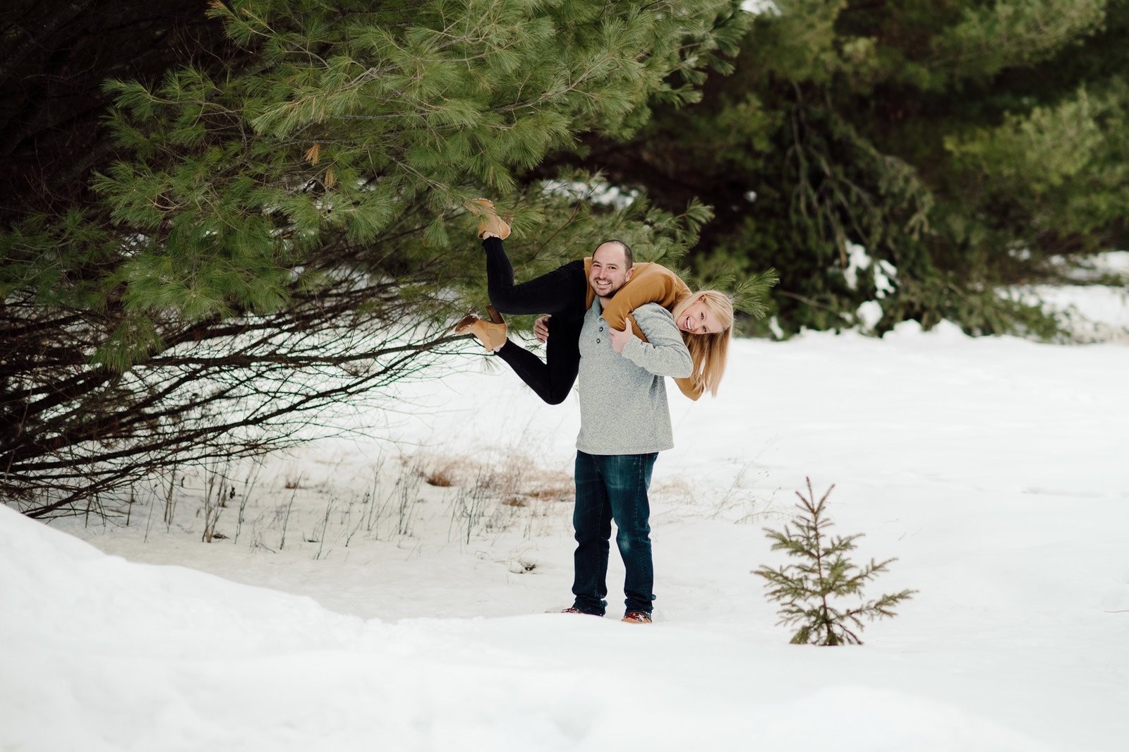 Winter couples session in Wisconsin