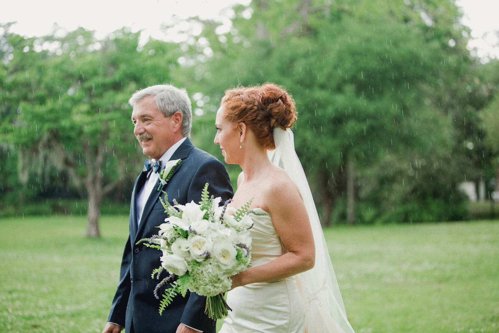 Father walks bride down the aisle, Old Wide Awake Plantation, Charleston, South Carolina