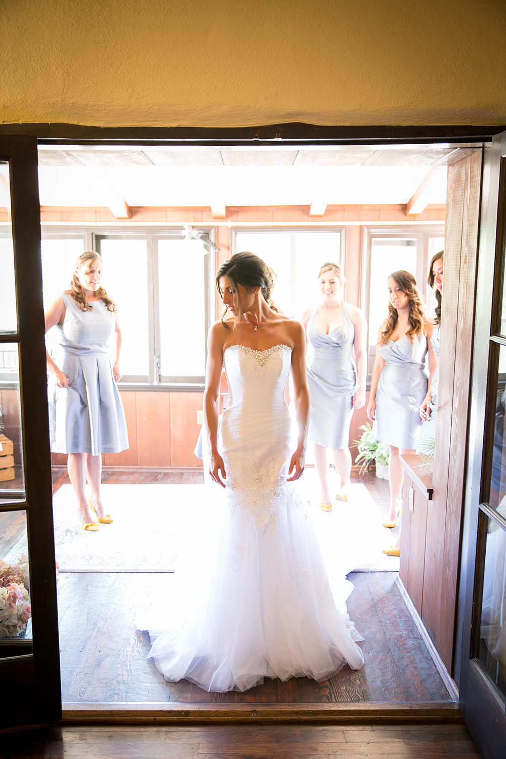 getting ready with bride and bridesmaids