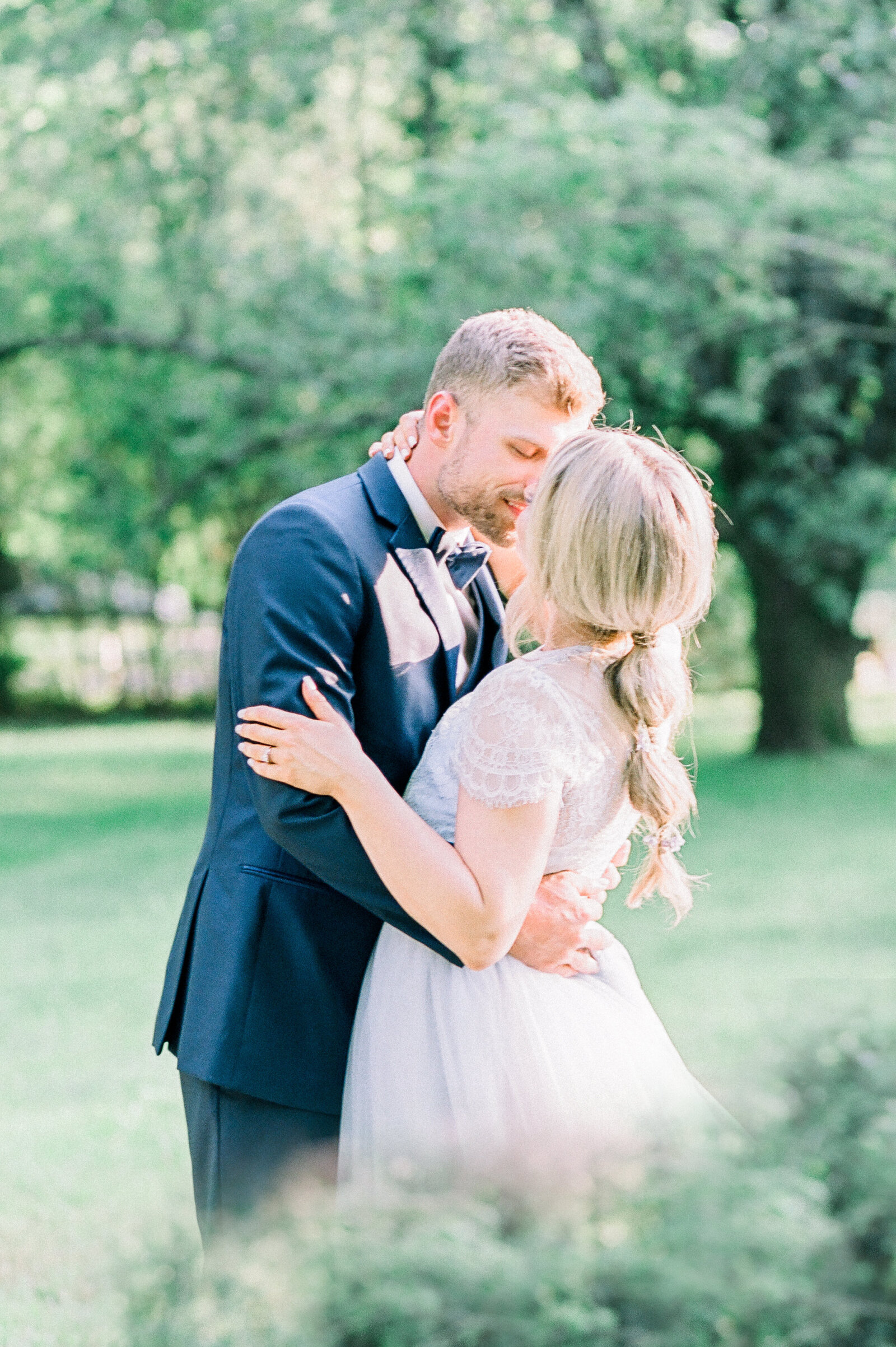 light and airy wedding photographer in michigan