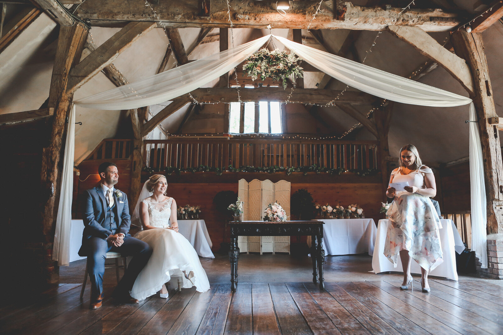 LAINS-BARN-WEDDING-PHOTOGRAPHER-FUN-REALXED-0032