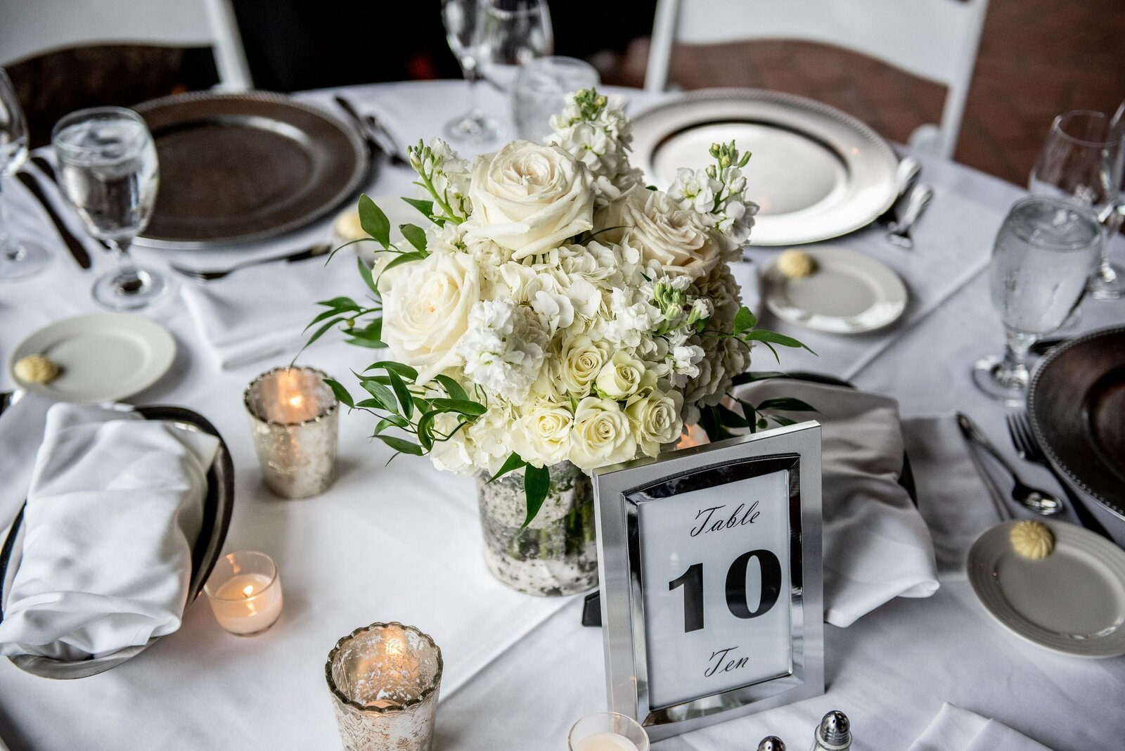 wedding-reception-lake-geneva-tablesetting