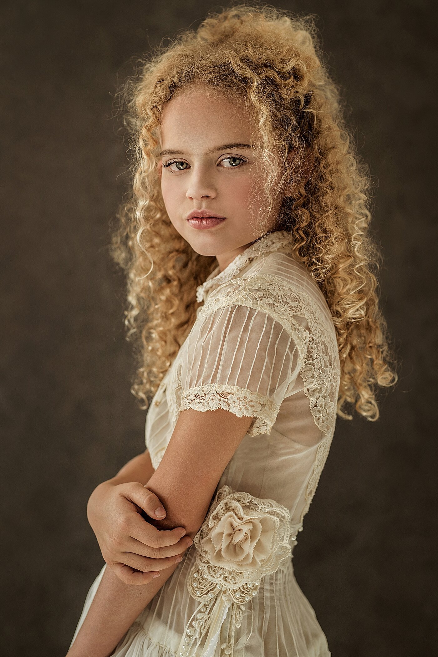Girl-with-curl-by-Olessia-McGregor-Brisbane-Child-Creative-Fine-Art-Photographer