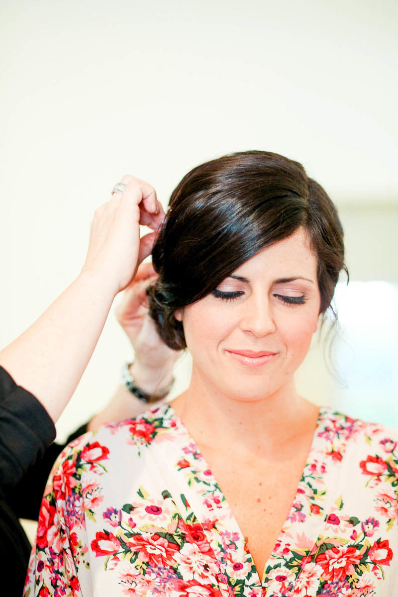 Bride gets hair styled, I'ON Creek Club, Mt Pleasant, South Carolina. Kate Timbers Photography.