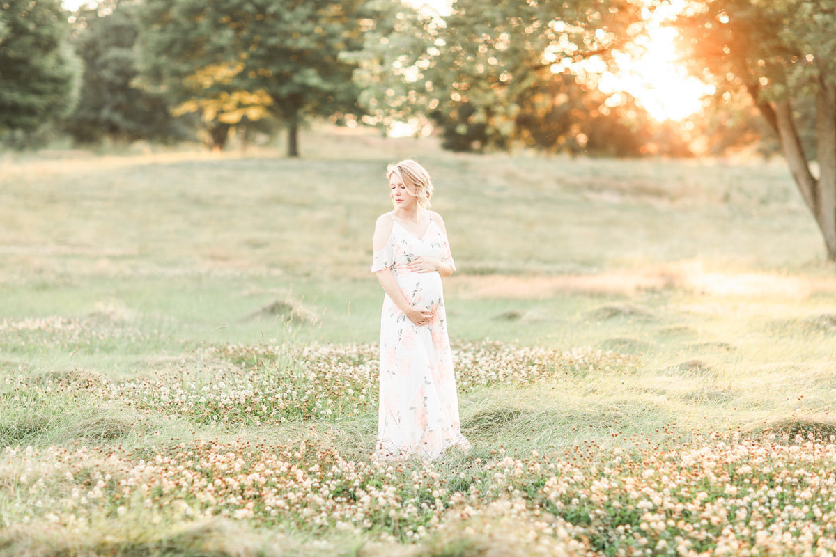 Maternity and Newborn Photography in Cleveland Ohio