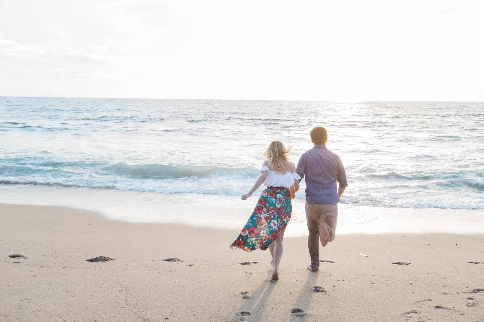 Beach engagement session - Kelly H Photo