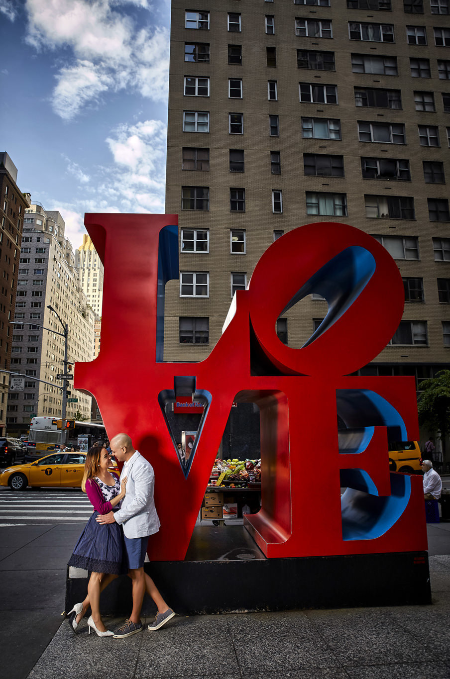 Iconic images of couple in love in NYC
