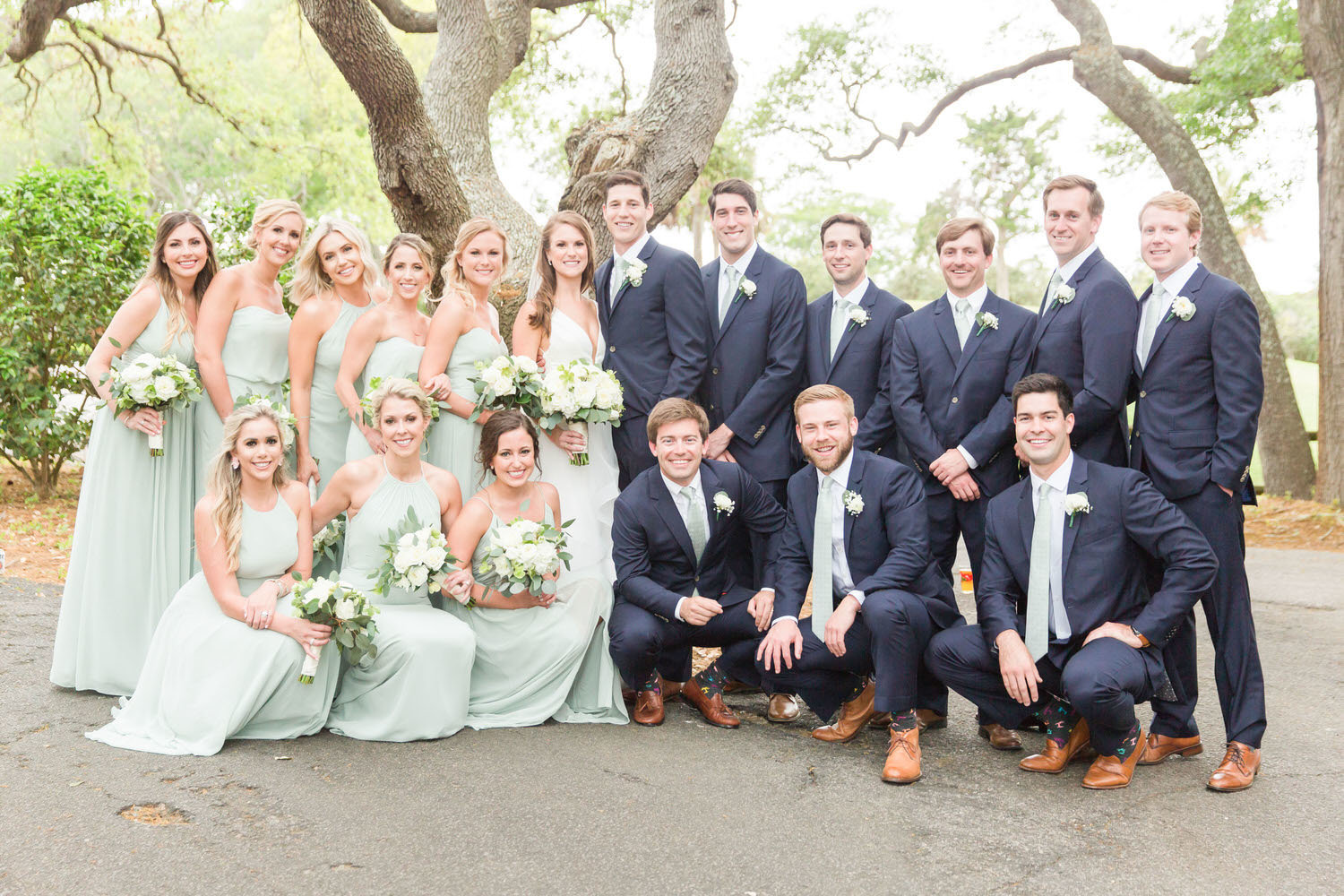 wedding party with bridesmaids and groomsmen