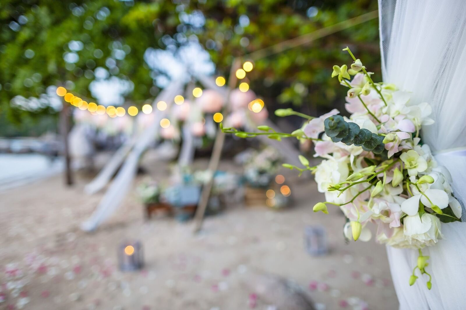 tipi lounge with flowers