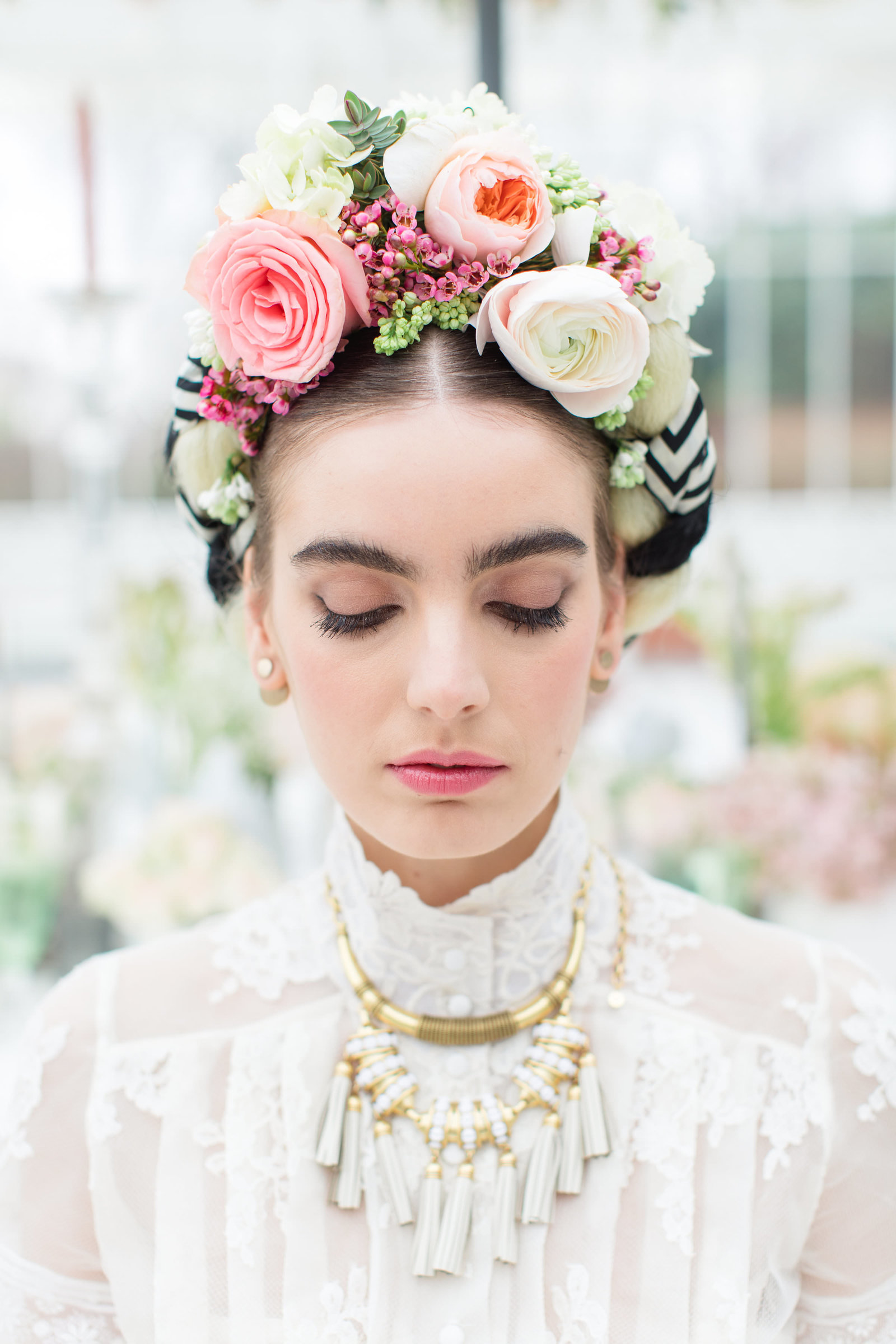 Frida-Kahlo-inspired-Edith-lace-wedding-dress-JoanneFlemingDesign-RobertaFacchiniPhoto (29)