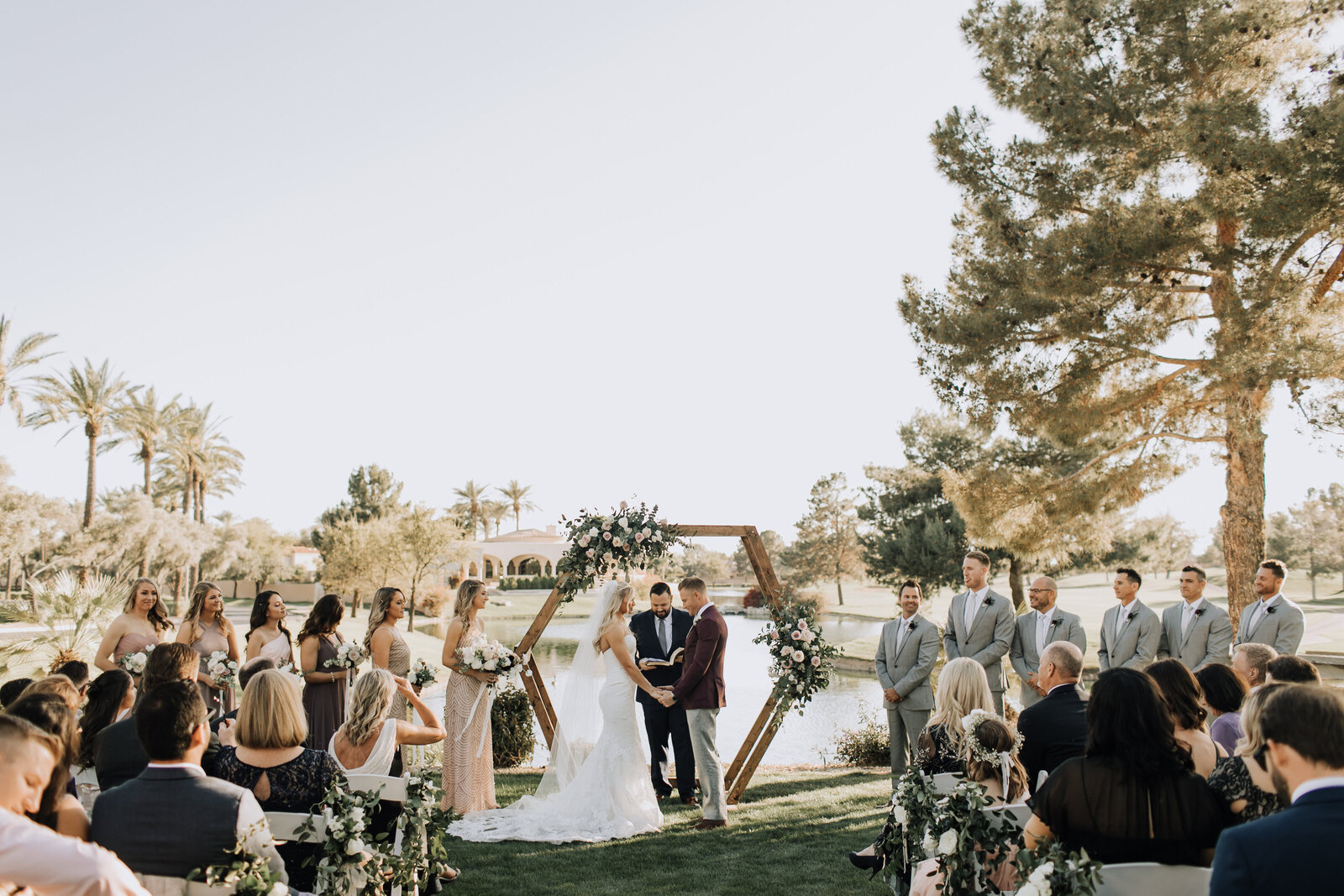 flowers-phoenix-az-outdoor-wedding-ceremony