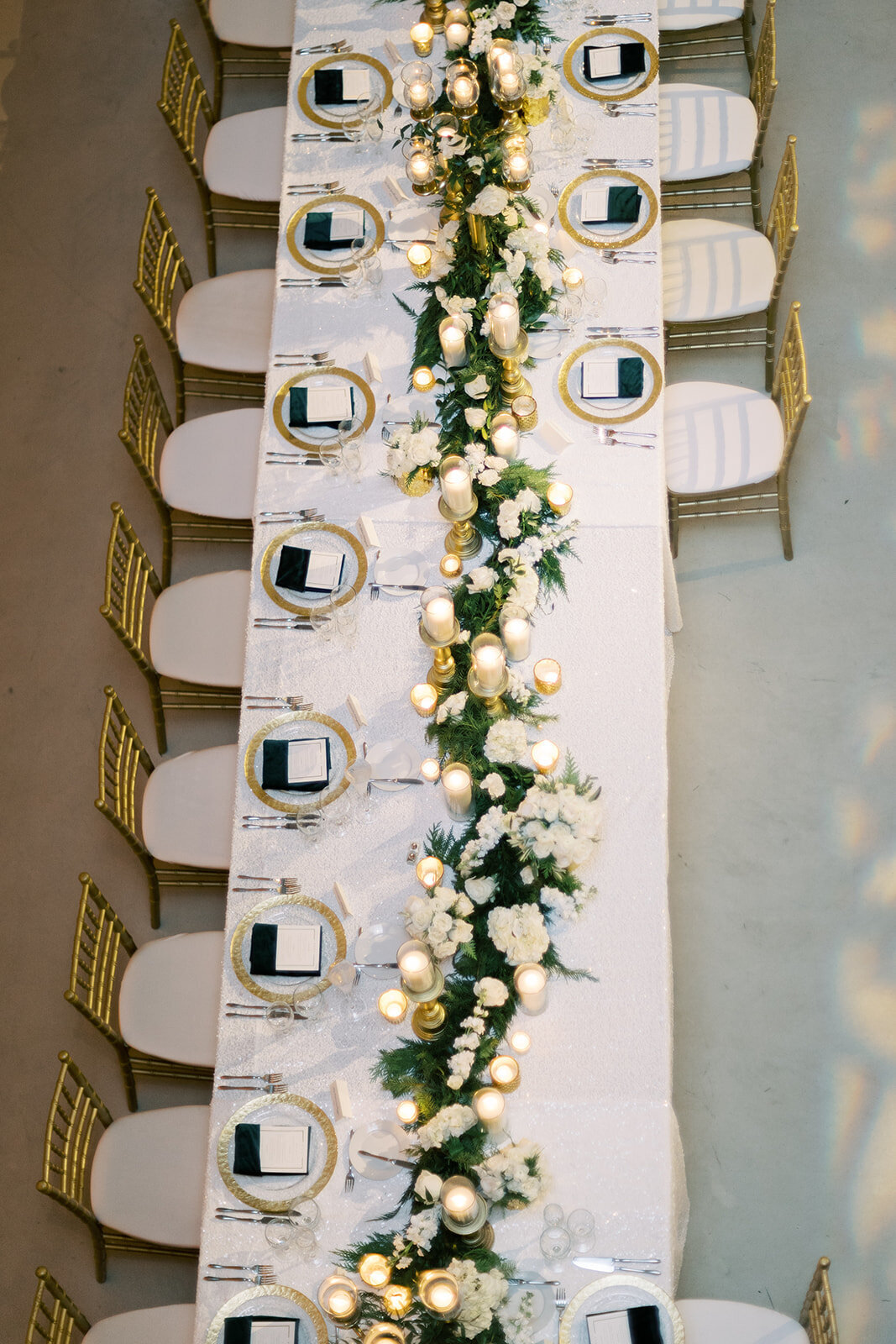 25-Venue-Six10-Wedding-garland