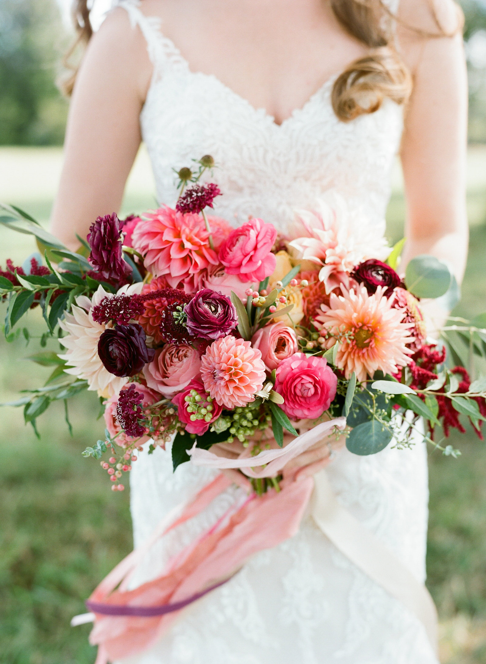 Pamela Barefoot, Atrendy, Warner Hall wedding, Virginia wedding, holly chapple bouquet