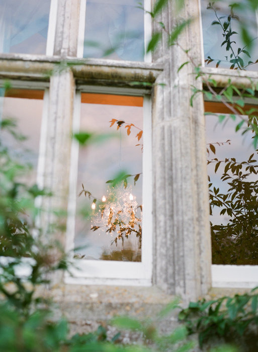 Molly-Carr-Photography-Paris-Film-Photographer-France-Wedding-Photographer-Europe-Destination-Wedding-Cotswolds-England-4