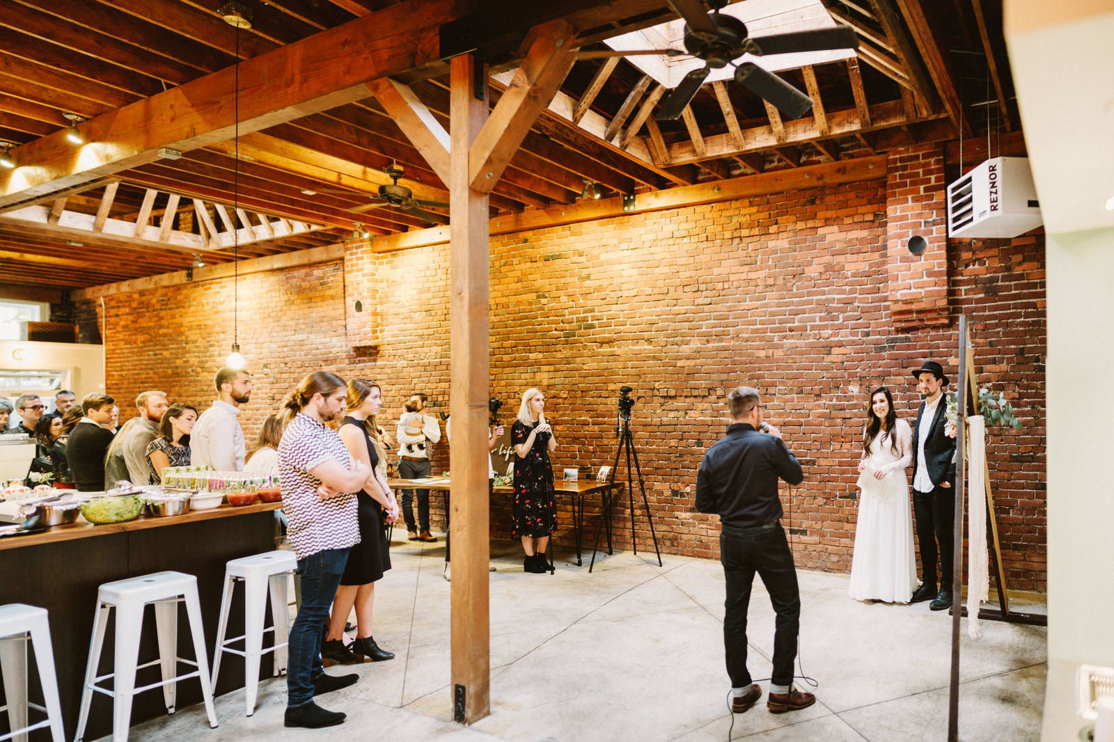 athena-and-camron-seattle-wedding-narrative-cafe-rustic-venue-benj-haisch28