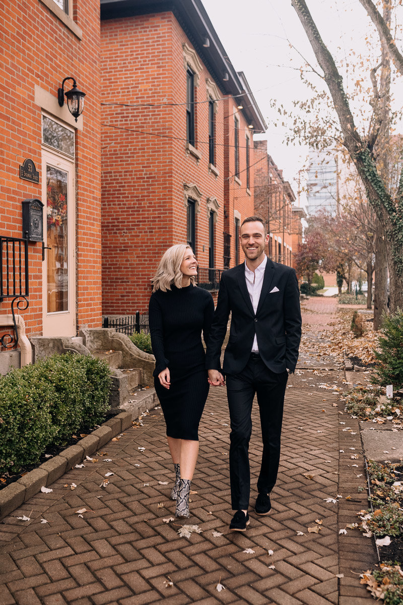 maggie-andrew-columbus-ohio-statehouse-engagement-photography-fall-german-village-9