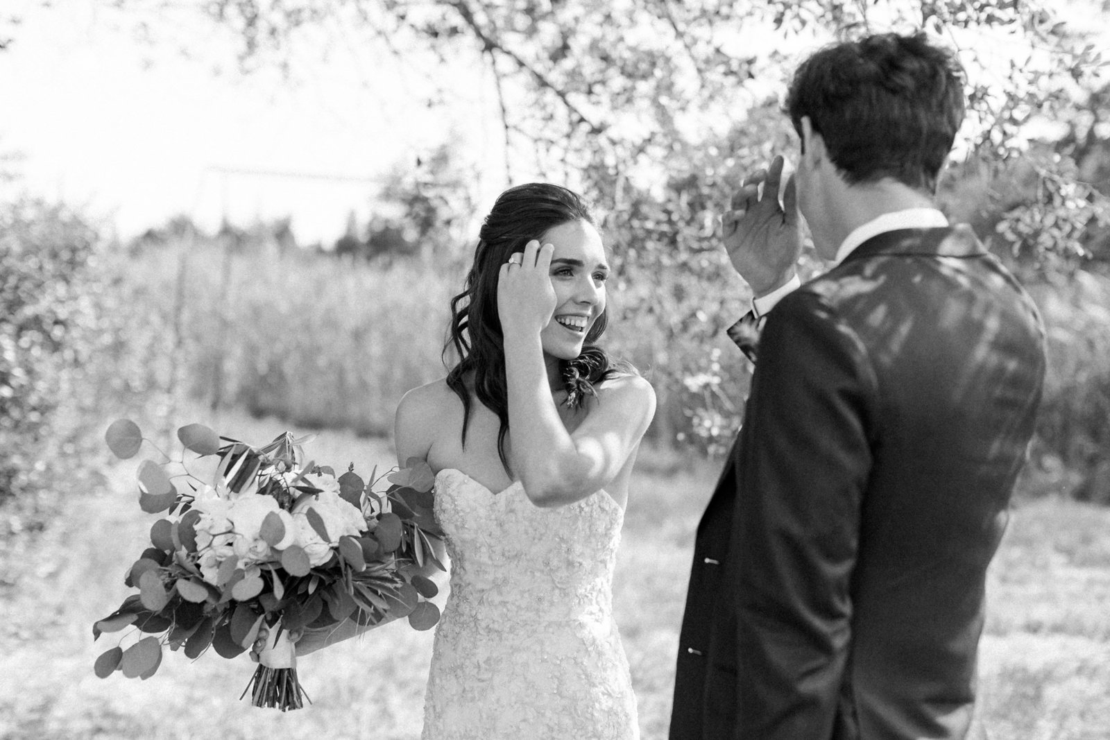 Saltwater Farm Vineyard Wedding_First Look 8