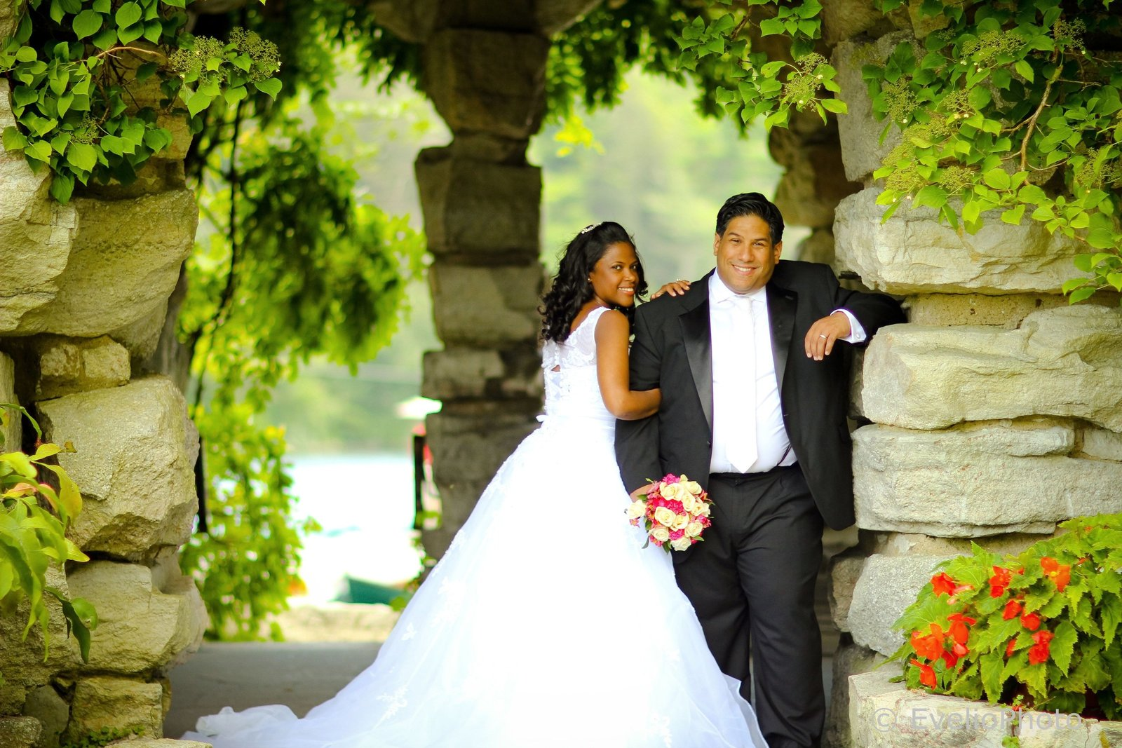 The-Gramercy-at-Lakeside-Manor-Wedding-Photos-48-0125