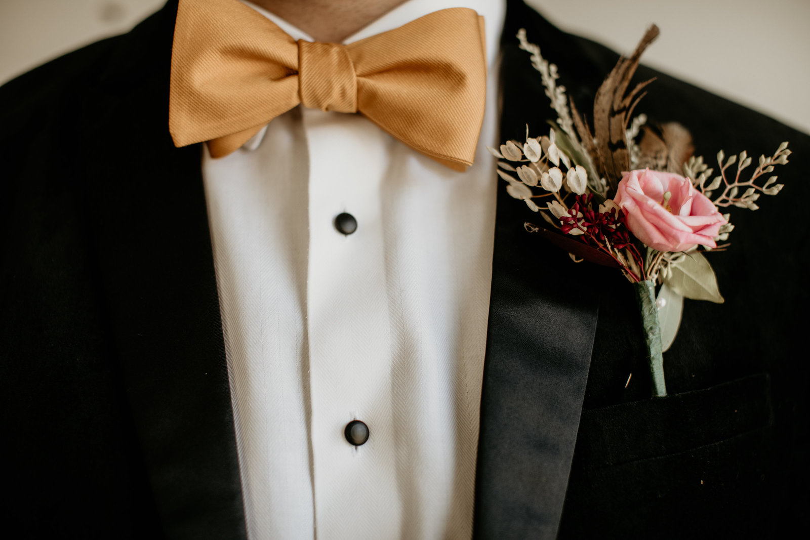 groom's attire details.