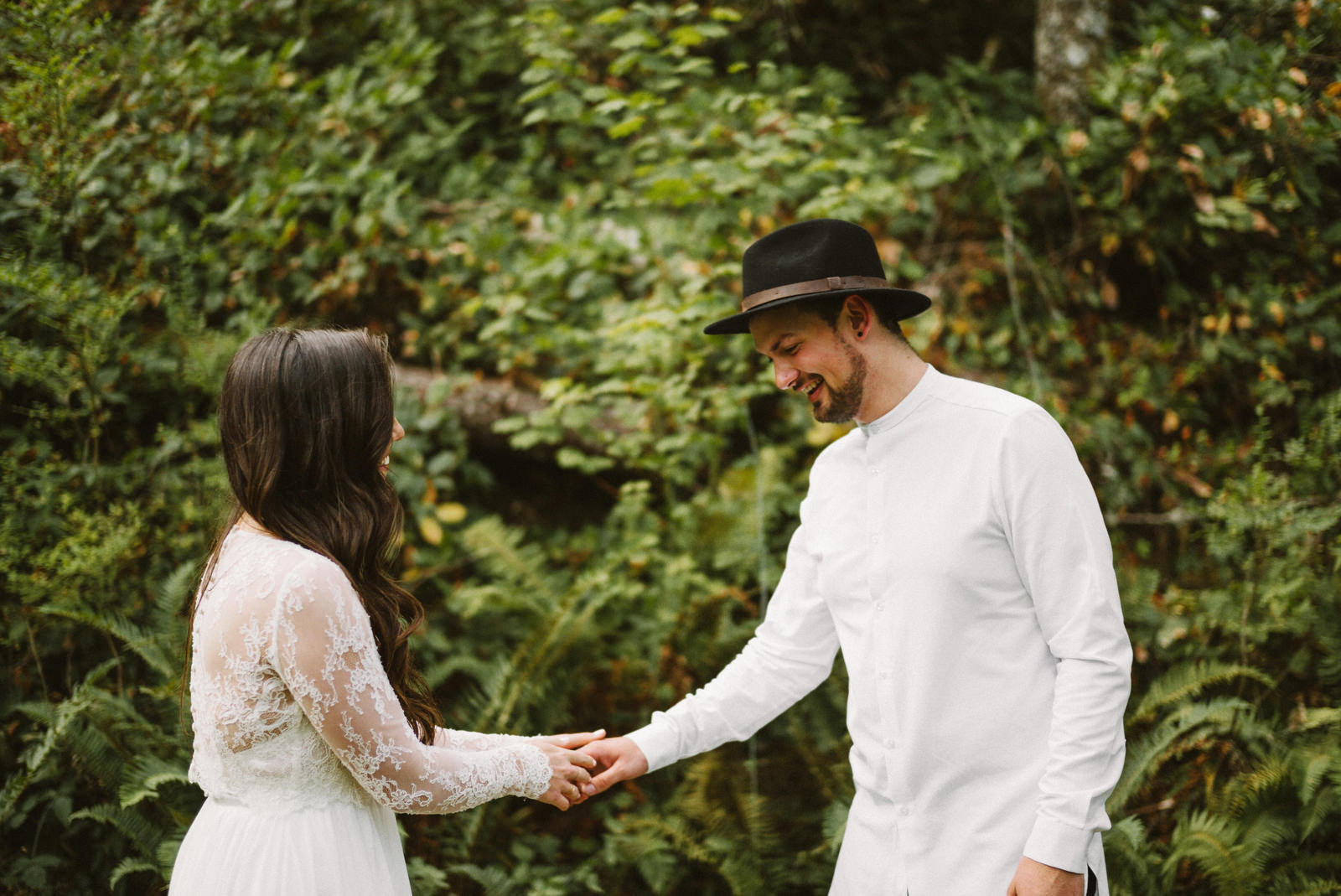 athena-and-camron-seattle-elopement-wedding-benj-haisch-rattlesnake-lake-christian-couple-goals4