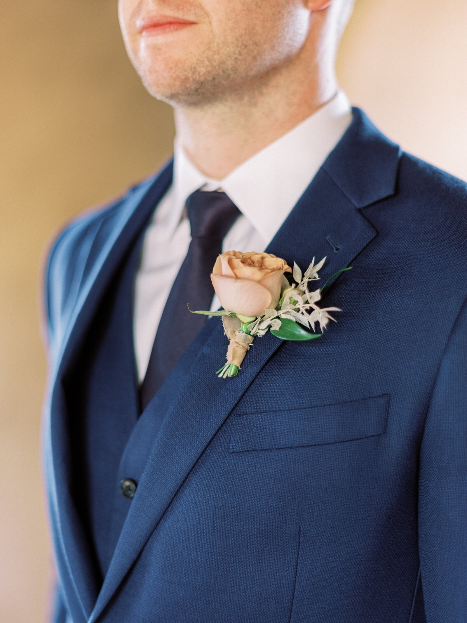 wedding-bouquets-az-rose-boutonniere