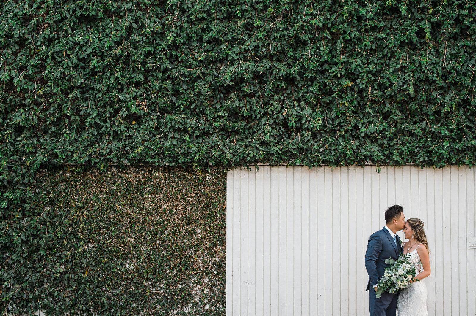 Our cascading Ivy creates a textured and elegant background in the hart of urban Midtown.