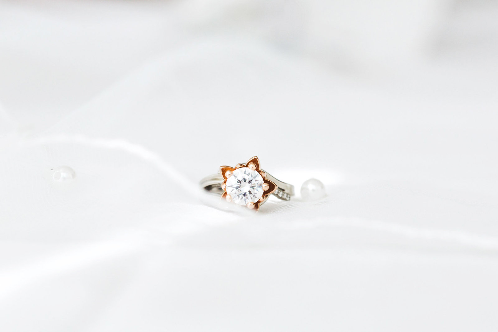 beautiful custom made engagement ring photography