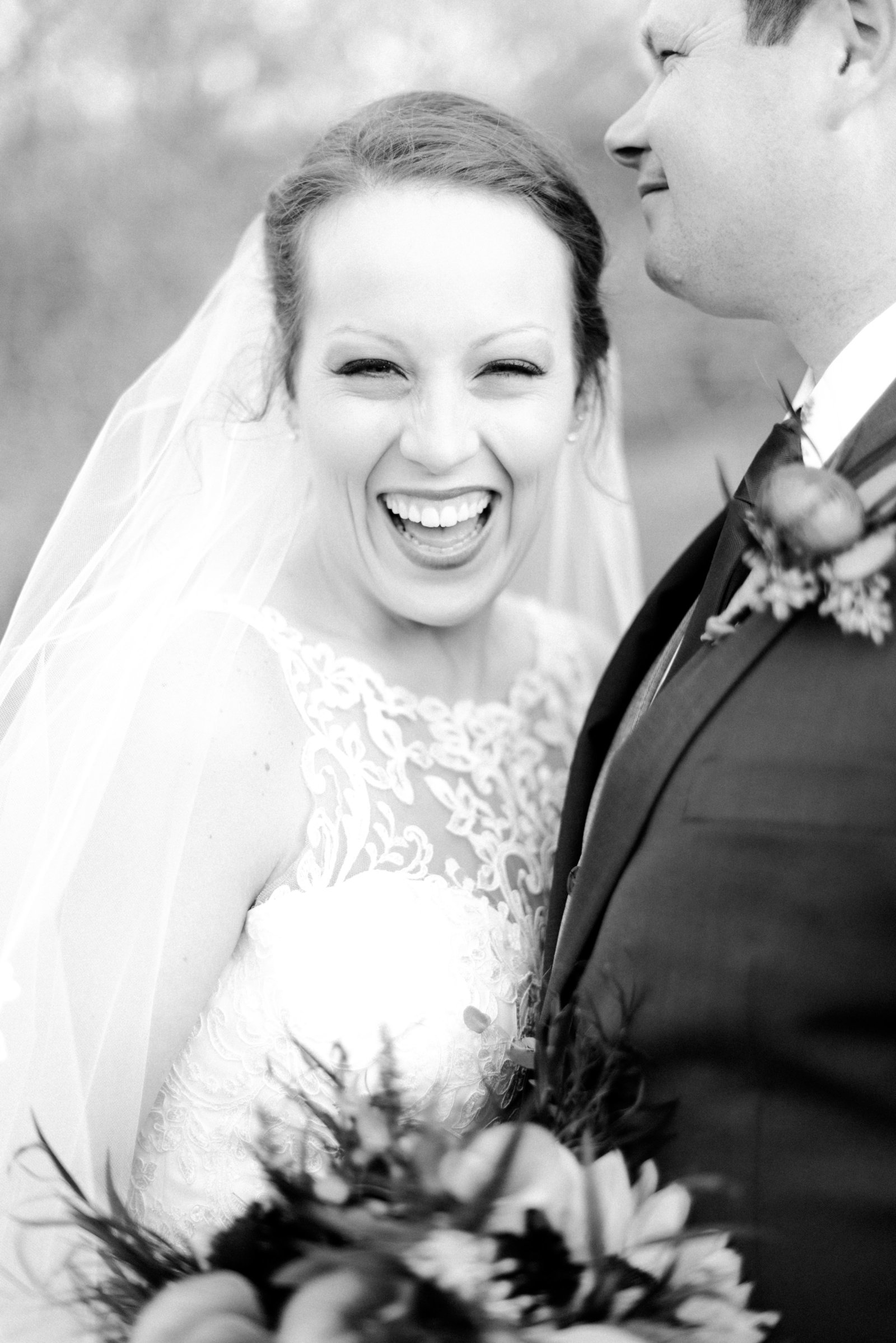 Fall_Deer_Creek_Club_Kansas_City_Wedding_Ashley+Travis-195
