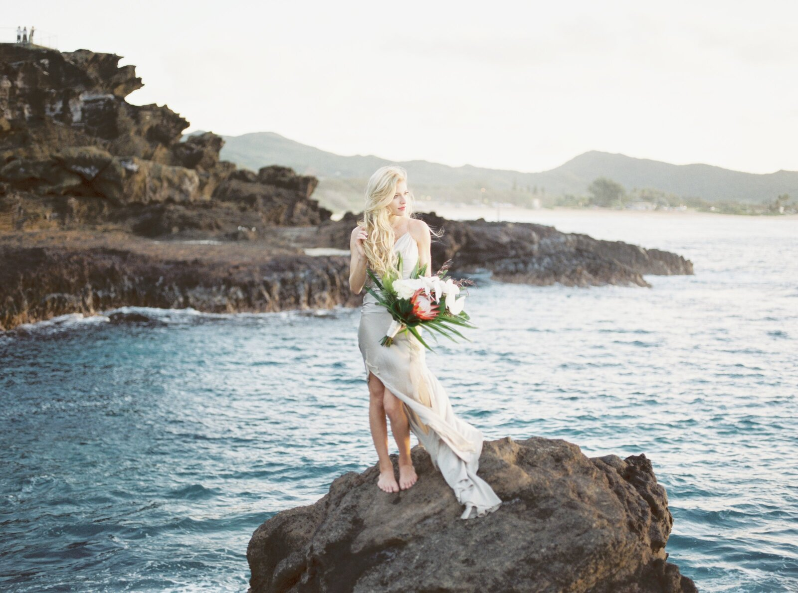 adventurous bride in hawaii